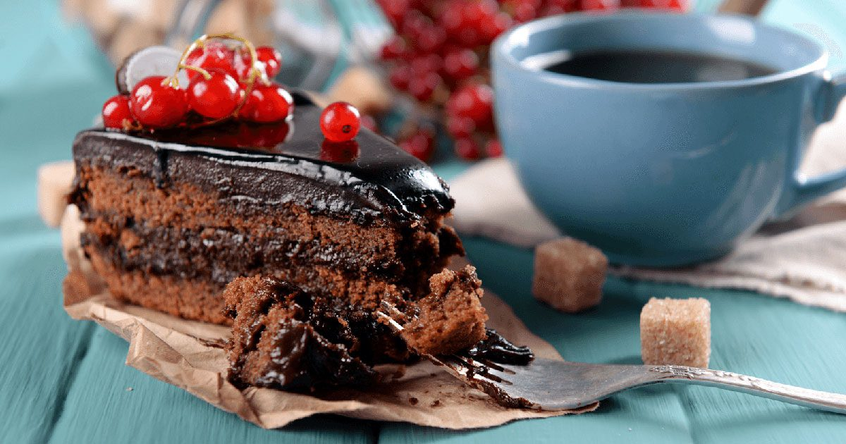Eating Chocolate Cake Images : Science Confirms Eating Chocolate Cake For Breakfast Is ...