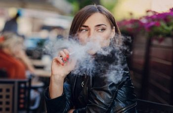 electronic cigarette health risks